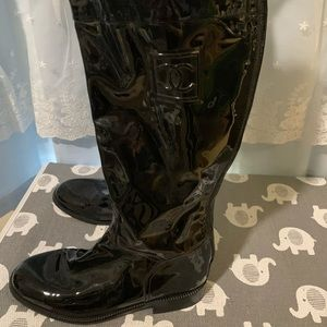 Tall Black patten Chanel rainboots. Size 7 1/2